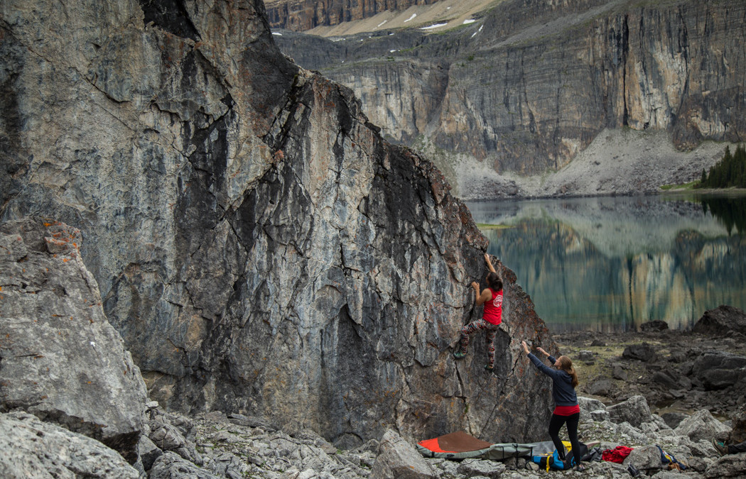 Rockbound Lake – A Wednesday Bouldering Quest